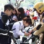 Nhiều người bị phạt khi quy định về xe máy điện có hiệu lực